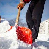 Роженицу доставили в больницу на руках из-за снежных заносов