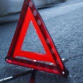 Школьник на авто врезался в ограждение возле облакимата в Караганде