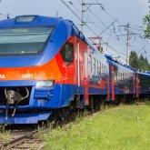 Электропоезд сбил нетрезвого мужчину с четырехлетним ребенком в Караганде