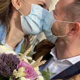 Неискоренимые тои и маски на подбородке. Вредные привычки, продлевающие карантин
