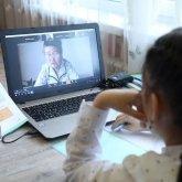 «Где-то зависает что-то»: в акимате Алматы ответили на жалобы родителей школьников