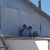 Школьники вынуждены учиться на крыше в Атырауской области