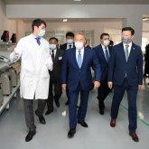 Нурсултан Назарбаев посетил предприятие по производству медоборудования