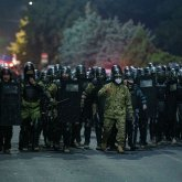 Войска введут в Бишкек по указу Сооронбая Жээнбекова
