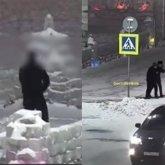 Двое мужчин справили нужду прямо на центральной площади в Кокшетау
