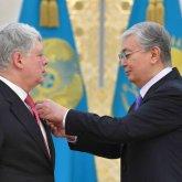 Касым-Жомарт Токаев наградил посла России орденом «Достық»
