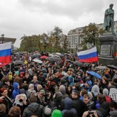 Протесты в поддержку Навального. Силовики задерживают россиян по разным городам