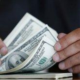 Почему подчиненные берут взятки, объяснил министр финансов РК