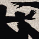 Двое мужчин пытались изнасиловать девушку на улице в Шымкенте