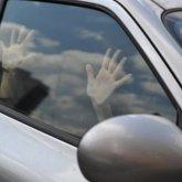 Мужчина избил иизнасиловал таксистку, апосле приказал довезти доместа назначения