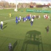 Казахстанские и украинские футболисты устроили массовую драку во время матча. Видео