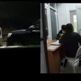 Бьет женщину и садится пьяным за руль: видео с сотрудниками акимата Талдыкоргана появилось в Сети