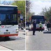 Маленькая девочка попала под колеса автобуса в Шымкенте