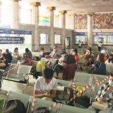 Провожающих и встречающих не пустят на вокзалы и в аэропорты в регионах из «красной» зоны