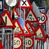 Отсутствие дорожных знаков и плохая инфраструктура влияют на увеличение смертности в ДТП