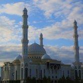 Ораза айт отмечают мусульмане Казахстана
