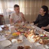 Юрий Дудь: Как живется русскому в Казахстане?
