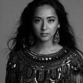 «То ли казашка, то ли таджичка. Вы все на одно лицо»: певица Манижа о бытовом расизме в России