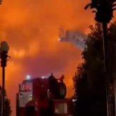 Загоревшаяся шашлычная привела к серьезному пожару в центре Алматы