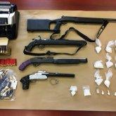 Актюбинские полицейские задержали радикала с оружием и наркотиками