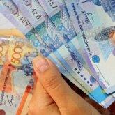 Зарплаты казахстанских мужчин на треть больше, чем у женщин