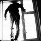 Пациент разбился насмерть, выпав из окна больницы в Уральске