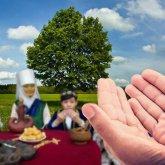 «Қарақтарым, бақытты болындар»: бабушка в Германии дает бата на казахском языке