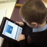 Родители школьников сдавали в ломбард планшеты, выданные для дистанционного обучения в ЗКО