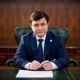 Критика казахстанцев вынудила молодого министра учить казахский язык