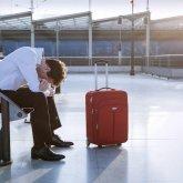 С какими долгами казахстанцев не выпустят за границу
