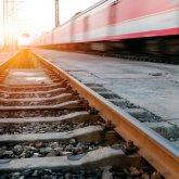 Мужчина попал под поезд в Уральске