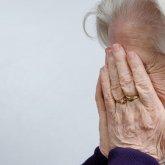 Астанчанин до слез обидел свою 78-летнюю мать