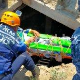 Подросток упал в 6-метровую яму близ Актобе