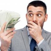 Больше 250 тысяч в месяц: казахстанцев снова удивили средней зарплатой по стране