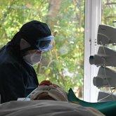Пациентов с дельта-штаммом коронавируса лечить сложнее. Ученые раскрыли причину
