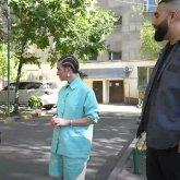 Алматинка прервала интервью рэпера Jah Khalib'а, чтобы пожаловаться на акимат города