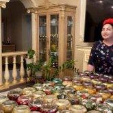 Известная казахстанская певица продает рецепты