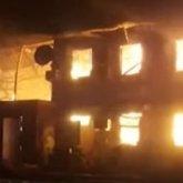 «Выпрыгивали из окон»: появилось видео пожара на месторождении в Мангистауской области