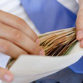 На 150 миллионов тенге оштрафовали сотрудника госдоходов в Шымкенте