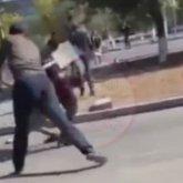 «Мешали»: рабочие лопатами побили парней в Экибастузе