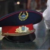 Парень в полицейской форме приставал к прохожим в Кокшетау