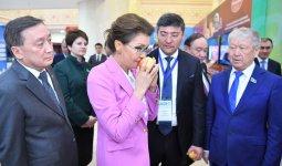 Дарига Назарбаева: Люди на селе живут, мягко говоря, не богато