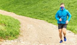 «Заниматься спортом в маске – вредно» – пульмонолог