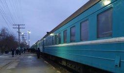 Жителям Кульсары и Маката временно запретили пользоваться поездами из-за коронавируса