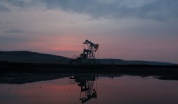Участники сделки ОПЕК+ продлевают сокращение добычи нефти до конца июля