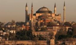 Собор Святой Софии, который стал мечетью, смогут посещать не только мусульмане – Эрдоган