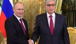 Касым-Жомарт Токаев поздравил Владимира Путина с первой в мире российской вакциной против COVID-19