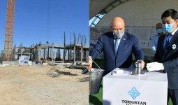 Швейную фабрику строят по поручению Шавката Мирзиеева в Туркестане