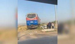 Водитель легковушки чудом выжил в ДТП с поездом в Шымкенте