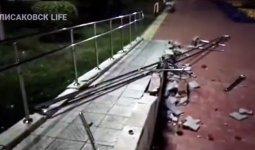 Вандал разгромил пандус для инвалидов в Костанайской области